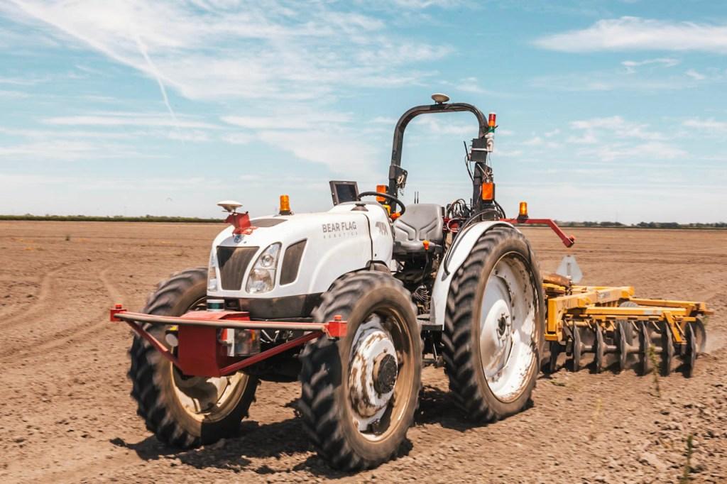Autonomous farm tractor